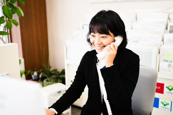 1.メール、またはお電話にて、ご相談の予約を承ります