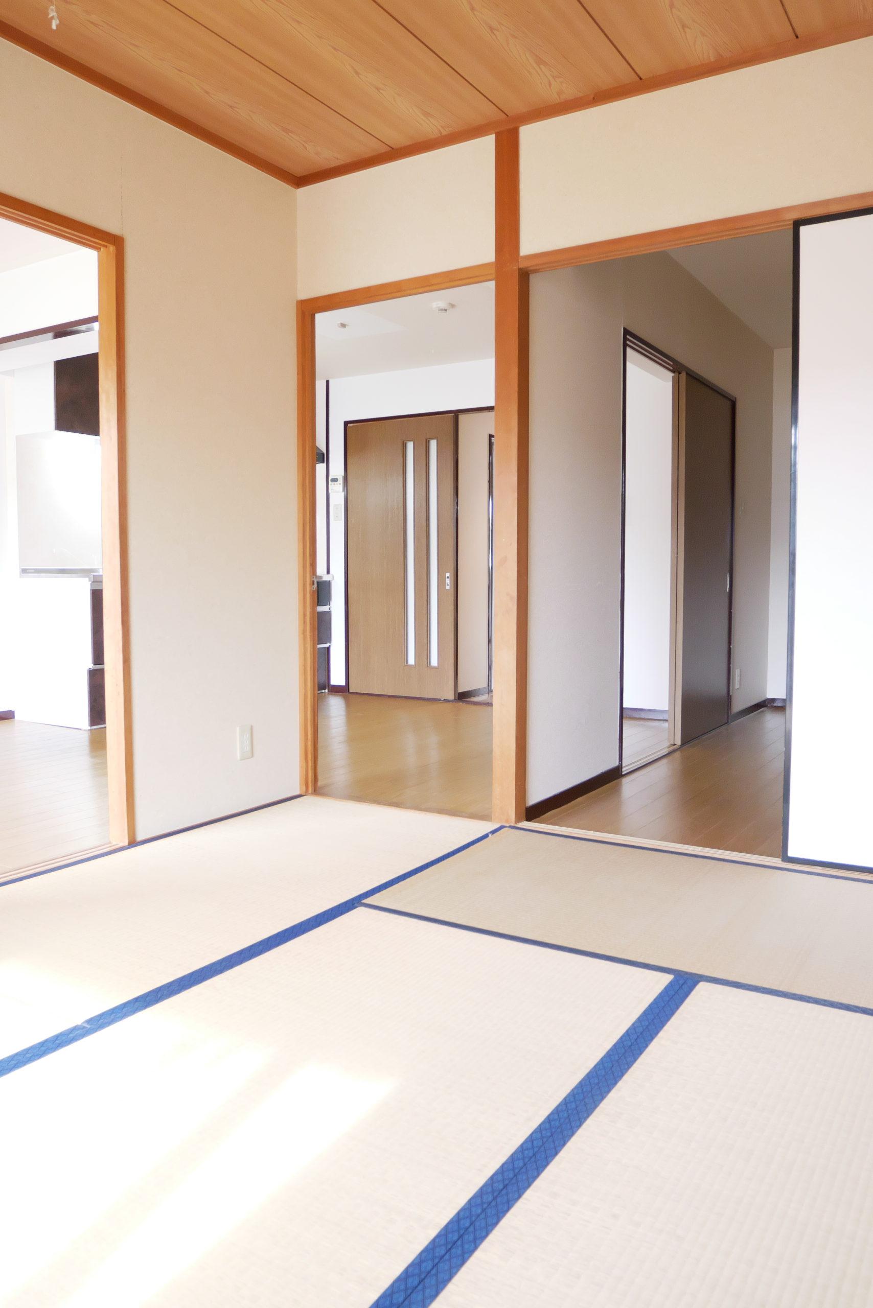 グランデール鶴田 102号室